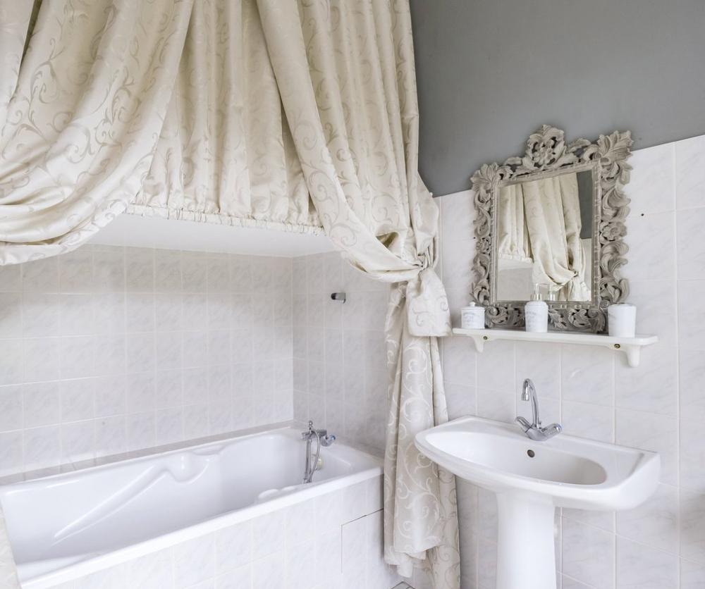 Bathroom-Chambre-Blanche